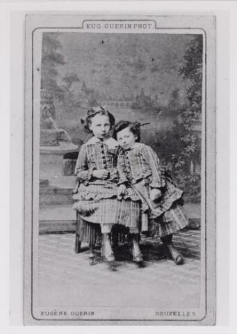 048776 - Blanche Le Mire geboren Udenhout 1 januari 1879, overleden Dongen 10 januari 1968 en Jeanne Le Mire geboren Udenhout 17 maart 1867, overleden St. Michielsgestel 27 maart 1939
