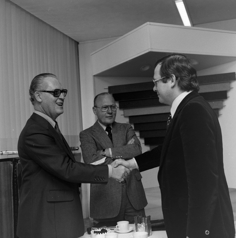 1237_012_989-1_003 - Viering van een jubileum van textiel firma Van Besouw b.v. bij restaurant Boschlust in Goirle in mei 1977.