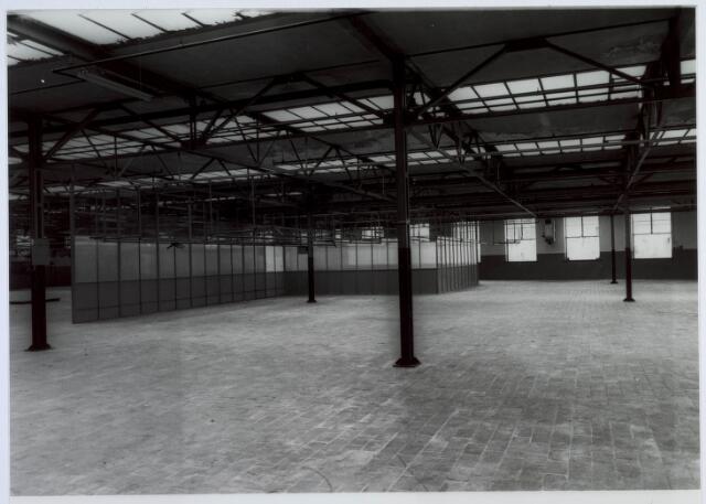019445 - Textielindustrie. Lege hal van wollenstoffenfabriek H.F.C. Enneking aan de Goirkestraat. Hierin waren de weverij, spoelerij, twernerij en kettingscheerderij ondergebracht