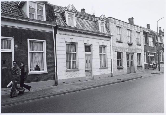 019298 - Panden Goirkestraat 104 (links) en 106 (midden)