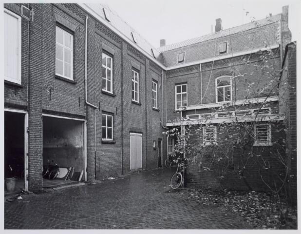 019474 - Achterzijde van het pand Goirkestraat 105a eind 1975
