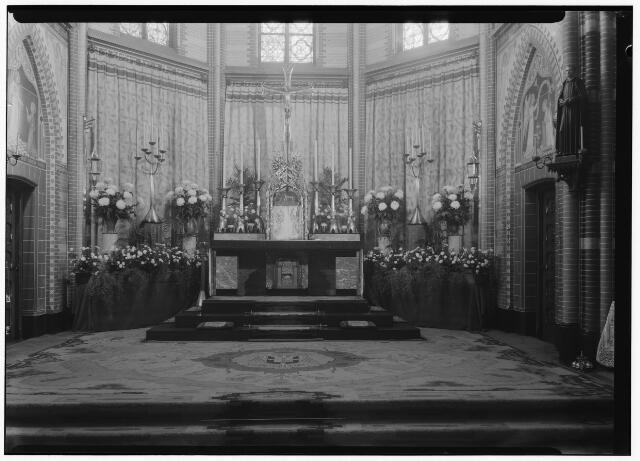050862 - 100 jaar bestaan kweekschool. Interieur kapel.