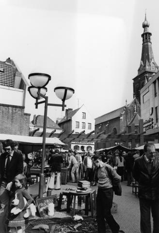 1238_F0092 - Evenementen in de stad, markt, rommelmarkt.