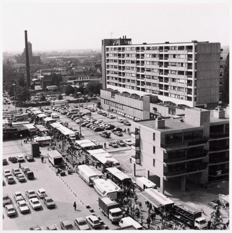 """036452 - Panorama van Tilburg vanaf de """" Katterug """"."""