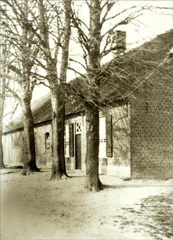 054515 - Boerderij van de familie Damen-van Oort aan het Groot Loo, later van de familie Elings-Damen en daarna van de familie Van Dal-Elings.