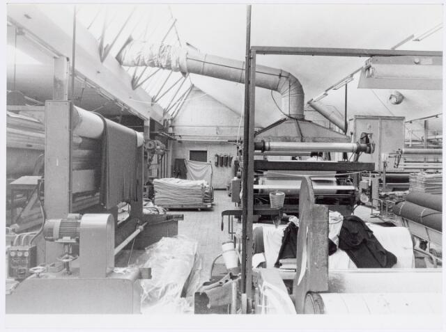 037950 - Textiel. Gedeelte van de droogappretuur van wollenstoffenfabriek George Dröge