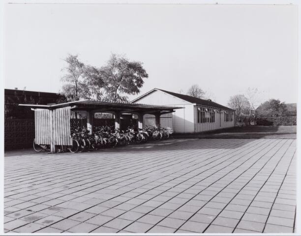062863 - Onderwijs. Noodlokaal voor de kleuterschool aan de Klaproosstraat