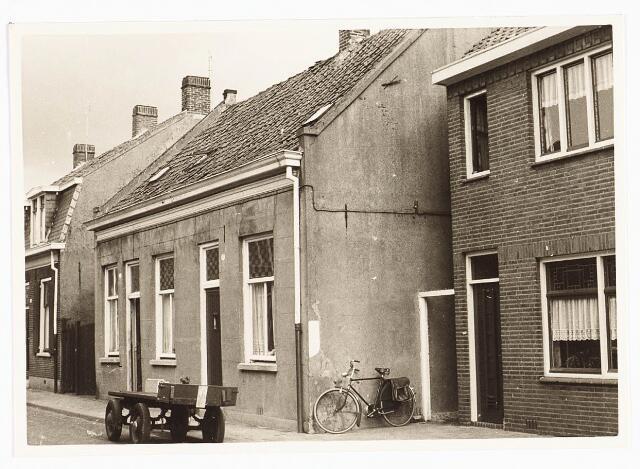 028094 - Woningen aan de Veldstraat 66, 68, thans Pastoor van Beurdenstraat