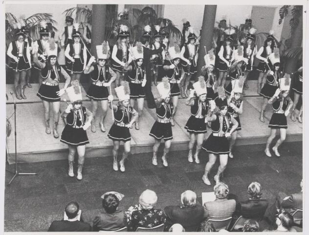 081709 - Culturele avond in het gemeentehuis in Rijen. Op de foto het optreden van de majorette's van Harmonie Vlijt en Eendracht