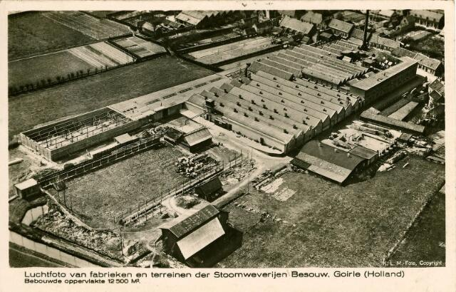 054957 - Luchtfoto van de firma Van Besouw, genomen vanaf de zuidzijde. Textielindustrie