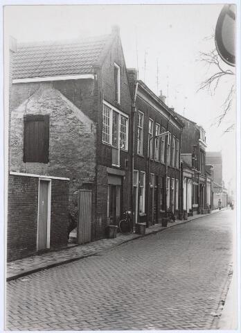 025451 - Langestraat gezien vanuit de Poststraat in de richting van de Tuinstraat