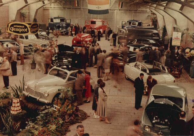 064226 - Opening Peugeot-agentschap Wassing-Verbruggen aan de Ringbaan-Oost.