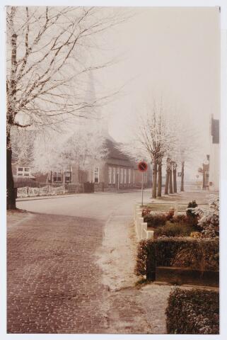 062565 - Inkijk in de Burg. Brendersstarat richting de kerk