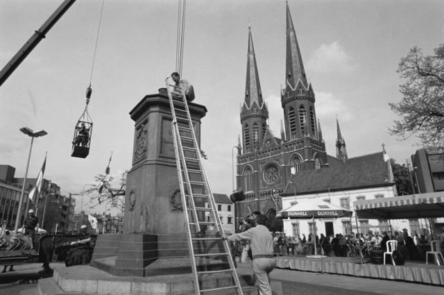 TLB023000362_003 - Verwijdering standbeeld Koning Willem II