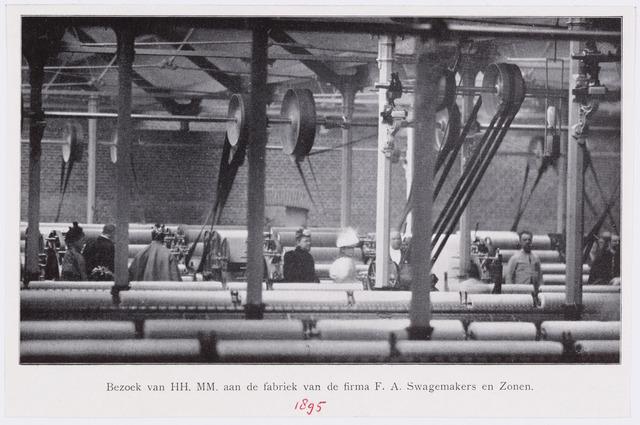053268 - Koninklijke bezoeken. Prinses Wilhelmina in de fabriek van de Firma F.A. Swagemakers en Zonen.
