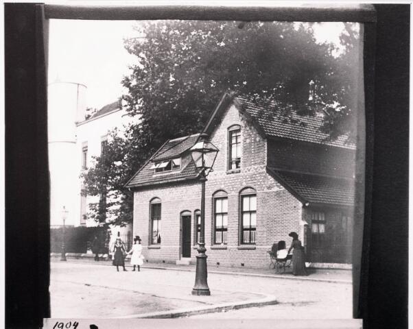 032298 - Pand aan de Paleisstraat thans Stadhuisplein
