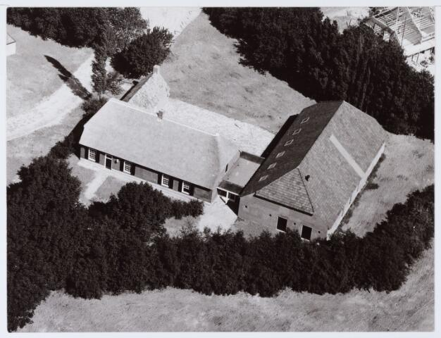 062684 - Horeca. Boerderij Denissen aan de Generaal Eisenhowerweg 1, thans in gebruik als party centrum; de boerderij is geheel van binnen verbouwd en  genoemd naar de oorspronkelijke eigenaar