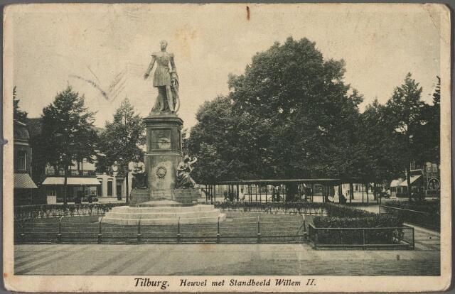 010796 - Standbeeld koning Willem II en lindeboom op de Heuvel.