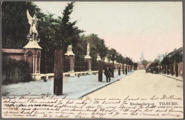 010332 - Bredaseweg richting Heike. Links de beeldengalerij om het kerkhof.