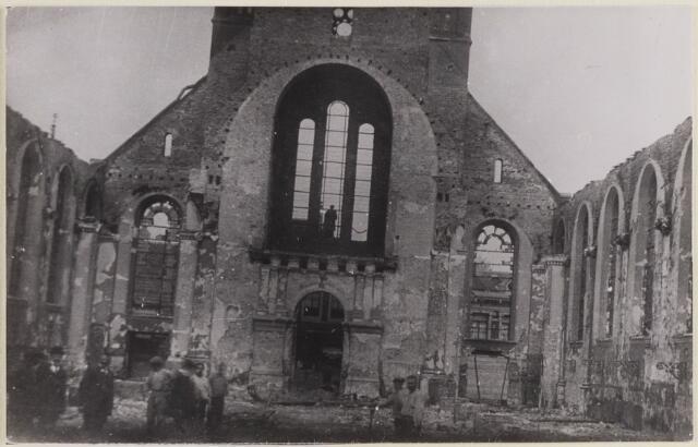 085453 - Dongen. RK Laurentiuskerk (Waterstaatkerk) Foto van de toren na de brand in mei 1917.