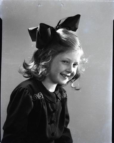 654426 - Portretfotografie. Portret va een jong meisje.
