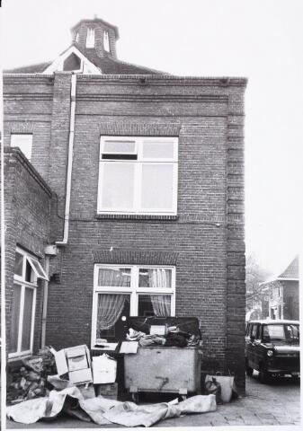 029081 - Prof. Dondersstraat. Huisvuil.