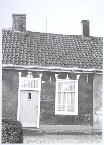 026676 - Lijnsestraat 9. Woning bestemd voor afbraak in verband met uitbreidingsplan Tilburg-Noord