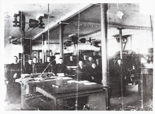 009484 - Kloosters. R. K Jongensweeshuis-drukkerij van de fraters van Tilburg. Personeel