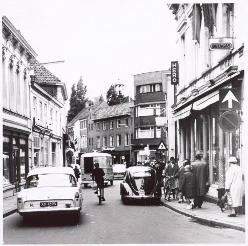 021804 - Gedeelte van de Heuvelstraat, gelegen tussen de huidige Raadhuisstraat en de Markt, dat vroeger Zomerstraat heette