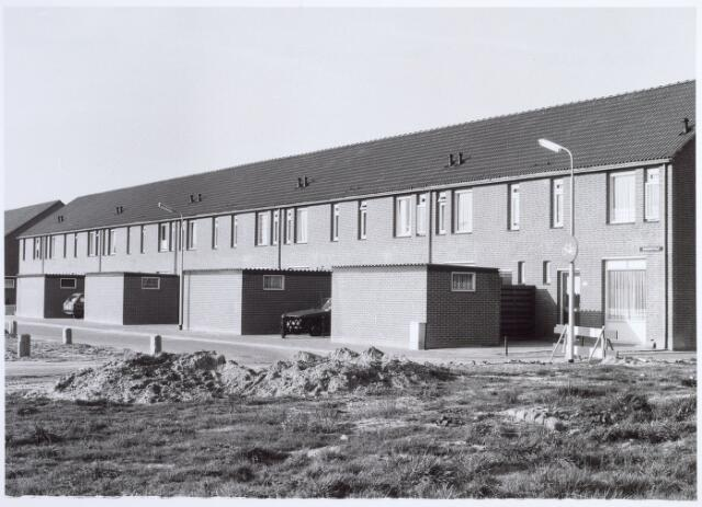 015983 - Rijtjeshuizen aan de Boxmeerstraat