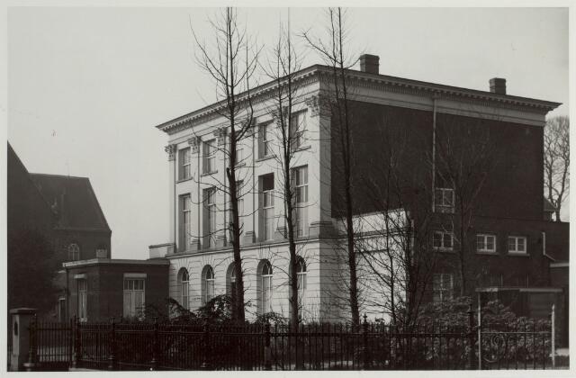 015256 - Klooster van de Zusters van O.L. Vrouw Visitatie aan de Bisschop Zwijsenstraat anno 1952