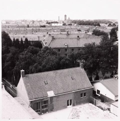036750 - Panorama van Tilburg vanaf het verpleegtehuis St. Jozefzorg aan de Wethouderslaan