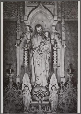 011317 - St. Jozefaltaar in de kapel van de paters missionarissen van het H. Hart aan de Bredaseweg.