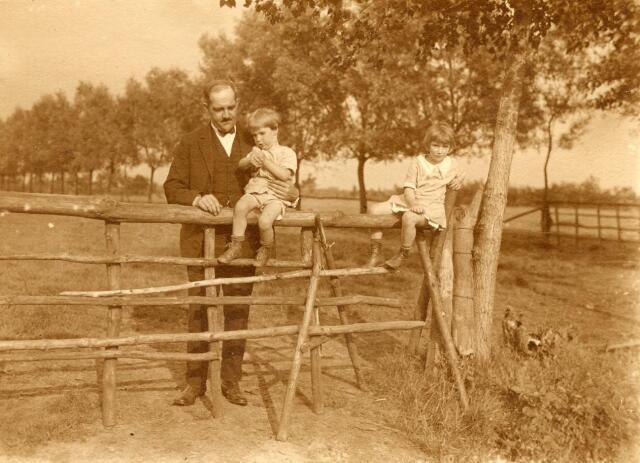 600734 - Kasteel Loon op Zand. Families Verheyen, Kolfschoten en Van Stratum