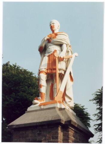 016061 - Beeld van David van het kerkhof aan de Bredaseweg