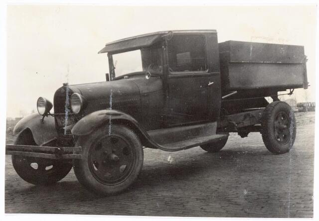 039242 - Volt. Zuid. Hulpafdelingen, Vrachtwagens. Vervoer, Expeditie, Logistiek. Volt-kipwagen, de Ford N9440, omstreeks 1936. Waarvoor werd die gebruikt? Voltstraat heette toen Nieuwe Goirleseweg.