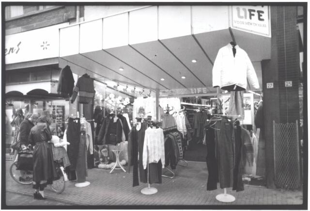 021936 - Modezaak Easly Life in de Heuvelstraat