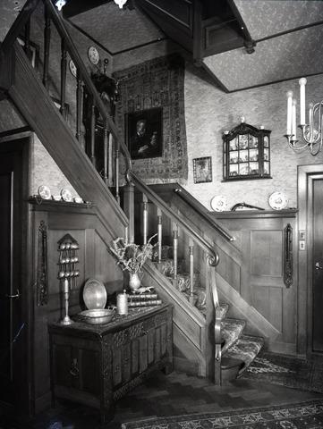 654635 - Interieur. Trapopgang.