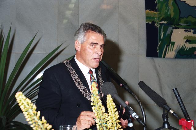 1237_010_763_029 - Installatie burgemeester Stekelenburg als burgemeester van Tilburg.  Speech.