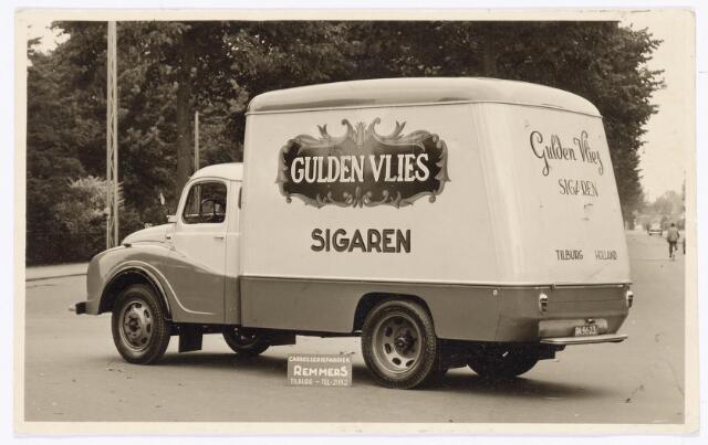 039508 - Sigarenindustrie. Vrachtwagen van sigarenfabriek Gulden Vlies sigaren, vervaardigd door carrosseriefabriek Remmers