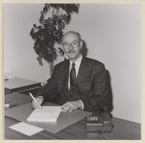084132 - Wethouder E.L.A. Kersing
