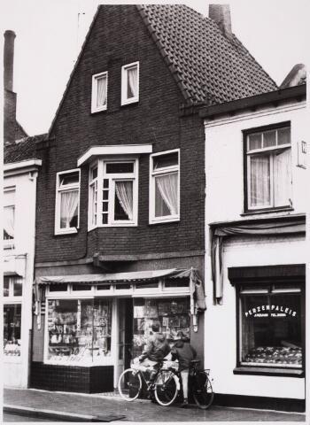 028778 - Piusstraat. Winkels.