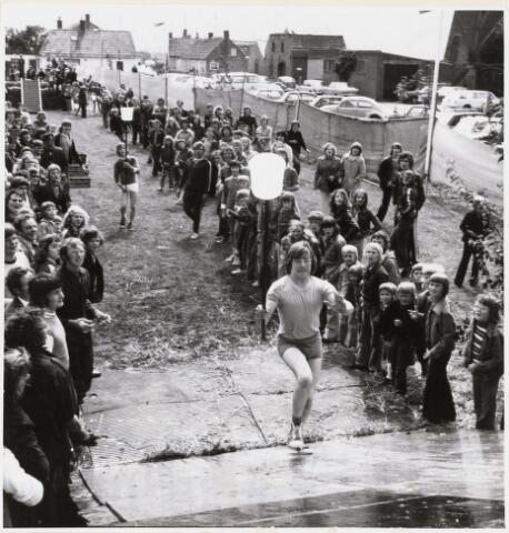 101440 - Sport. Zeskamp in Den Hout, georganiseerd door de K.P.J.