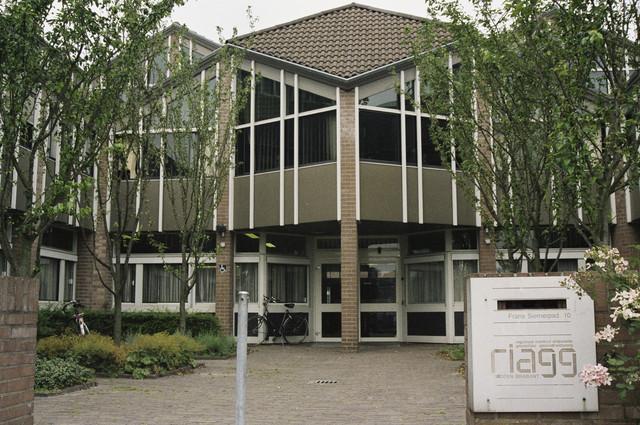 TLB023000733_001 - Kantoor Riagg Midden Brabant aan het Frans Siemerpad.