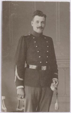 044641 - Operazanger Louis van der Sande.