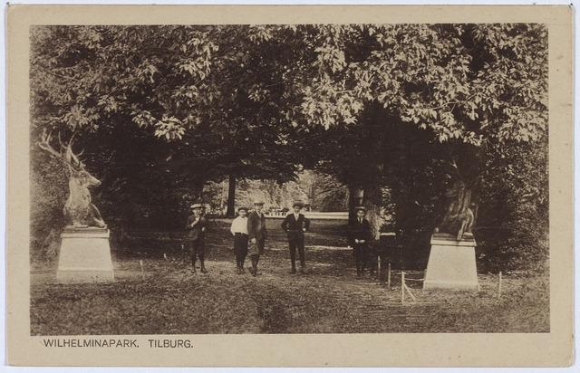 002837 - Wilhelminapark ingang met herten.