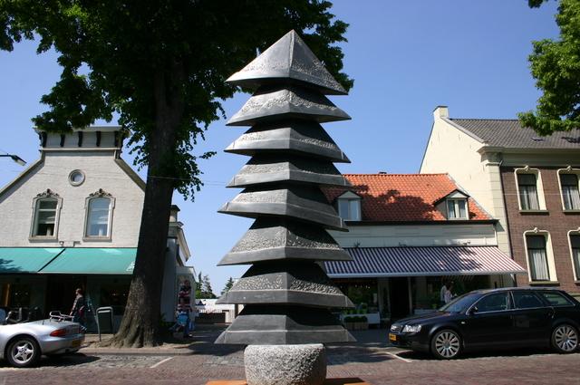 657186 - Kunst. De derde editie van de openluchtexpositie Oisterwijk Sculptuur langs De Lind in 2006.