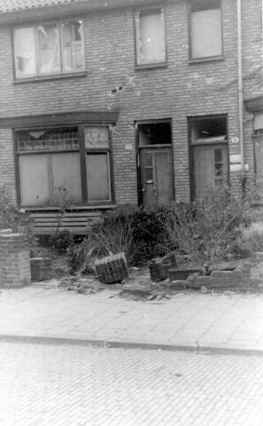 064671 - Tweede Wereldoorlog. Oorlogsschade na de bevrijding van Tilburg.