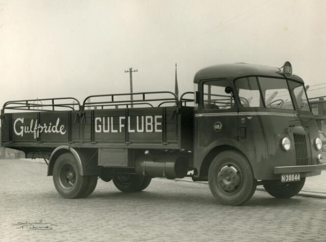 200082 - Vrachtwagen geleverd door garage Th. Knegtel aan firma van Vollenhoven- Smulders.