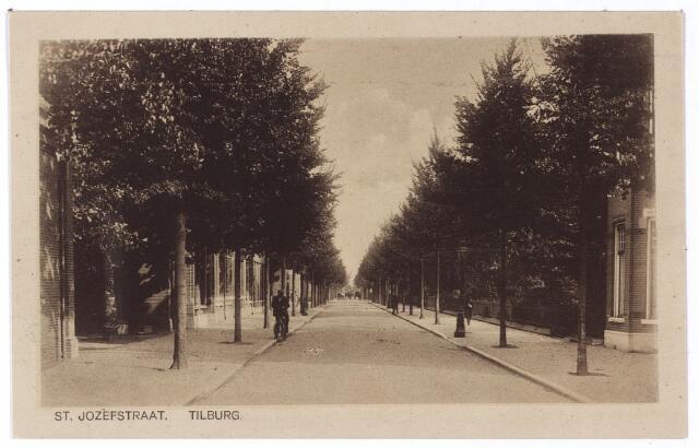 001340 - St. Josephstraat in oostelijke richting.